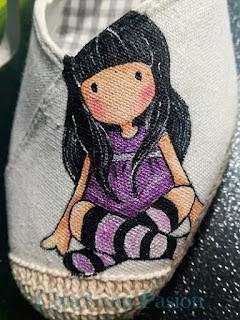 Zapatos-esparto-Gorjuss-morada-final-pintura-en-tela-Crea2-con-Pasión