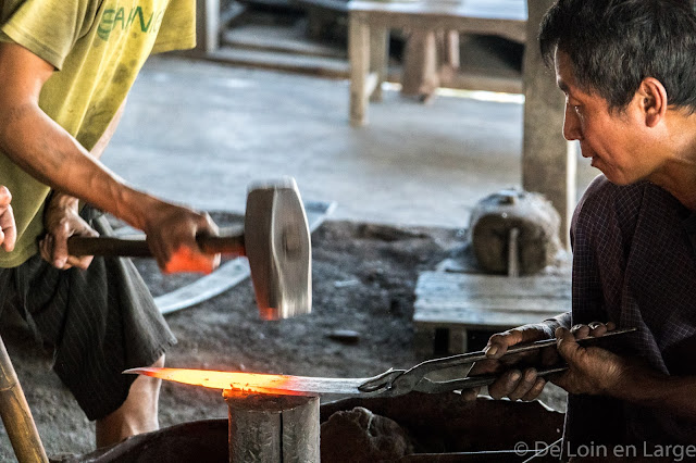 Atelier des forgerons - Seinkaung - Lac Inle - Birmanie Myanmar