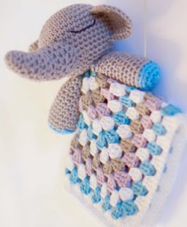http://translate.googleusercontent.com/translate_c?depth=1&hl=es&rurl=translate.google.es&sl=nl&tl=es&u=http://www.dendennis.nl/amigurumi-designs/crochet-elephant-snuggle/&usg=ALkJrhgzrFo-i7jR7BXZ-urfP2cv9O5L6Q