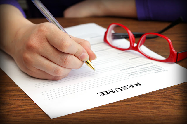 Nine Phrases You Should Never Put on Your Resume