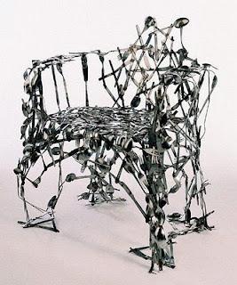 diseño de silla con cucharas