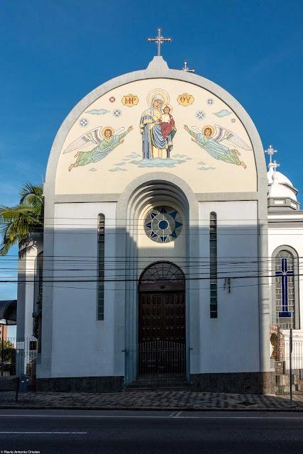 Igreja da Paróquia Nossa Senhora Auxiliadora, da Igreja Greco-Católica Ucraniana localizada na Rua Marim Afonso, em Curitiba. Detalhe da fachada.