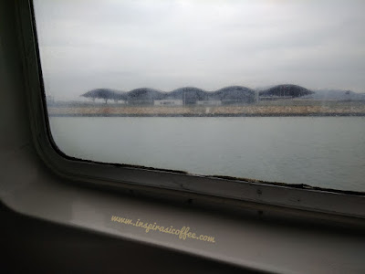 pengalaman naik kapal ferry ke shenzhen China