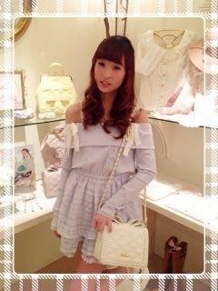 http://blog.crooz.jp/lizlisakohrinbo/ShowArticle?no=472