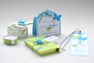 Idei marturii botez deosebite create de Asiris.ro: cutie decorata pentru bloc notes, semn de carte bleu cu fluturasi si inimioare, suport lumanare parfumata, cutie mic decorata pentru cafea sau ceai aromat