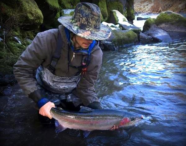 Gorge fly shop blog fish boy gabe fishing report 1 6 2017 for Hood river fishing