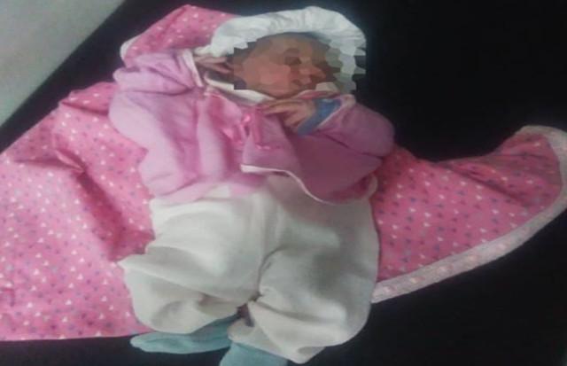Recie nacida encontrada colgada en un poste dentro de un morral en Valencia