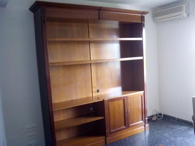Realización de reforma de librería por Carpintero Zaragoza