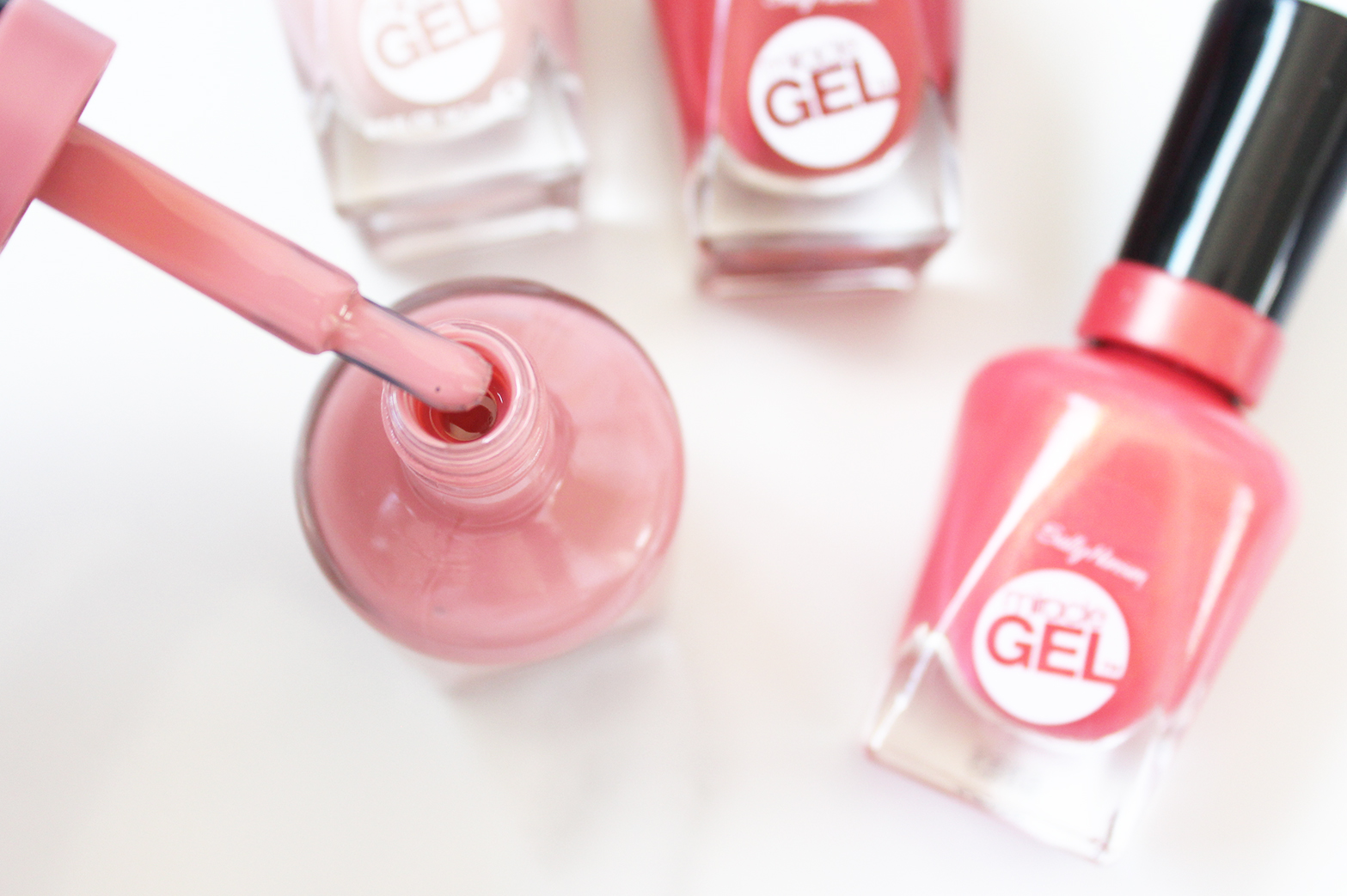 SALLY HANSEN | Miracle Gel Polish Review - CassandraMyee