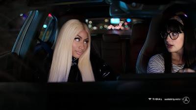 Nicki Minaj aparece em comercial da Mercedes-Benz e empresa avisa que lançará algo com a rapper final de ano.