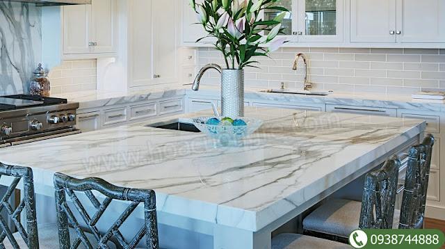 Đá cẩm thạch tự nhiên làm mặt đá bàn bếp