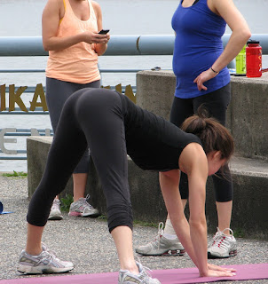 hot-women-yoga-pants