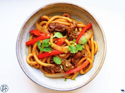 Le Chameau Bleu - Blog Cuisine asiatique et Voyage - Recette de Udon sauté au  boeuf satay