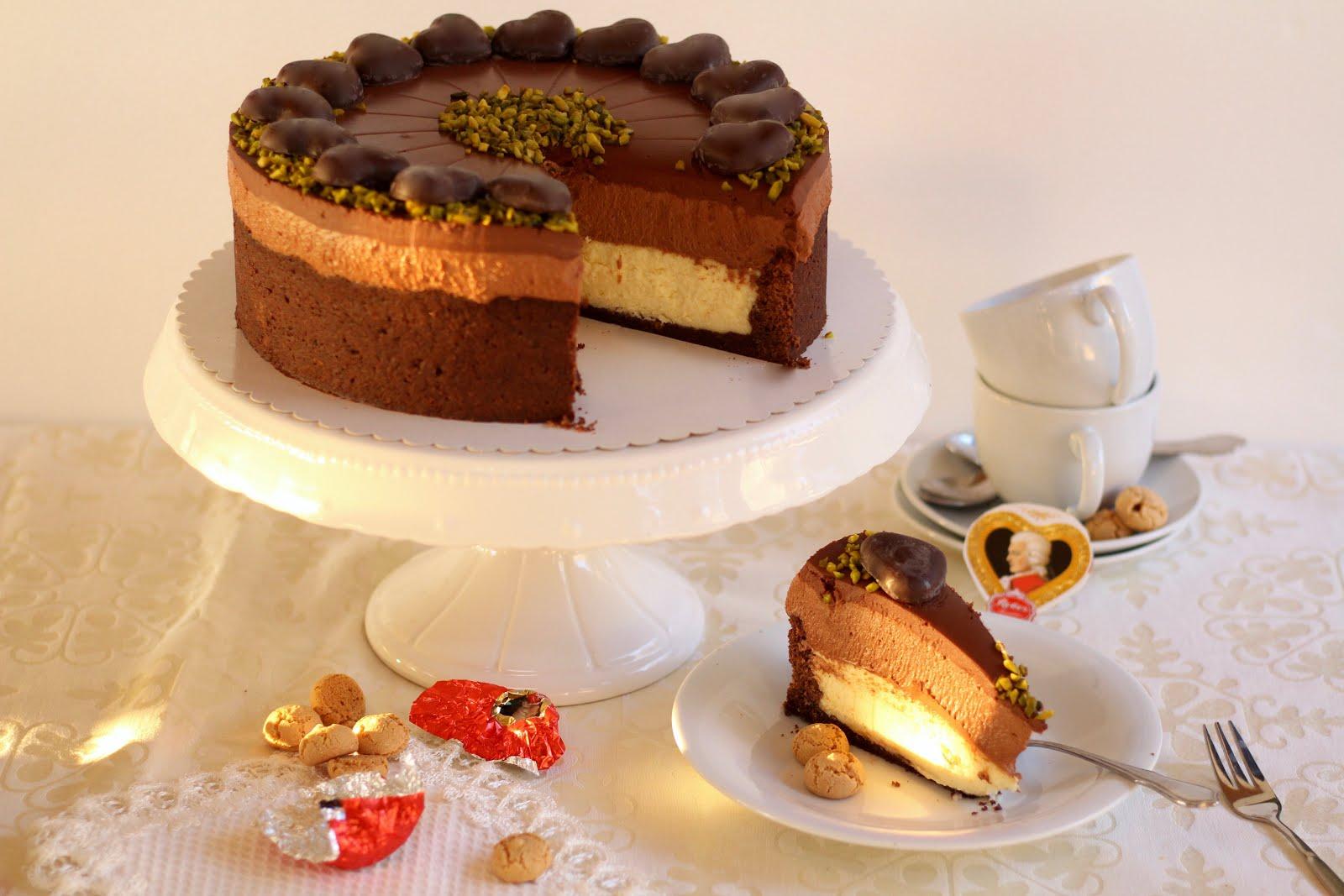 Unwiderstehliche Mozart-Torte mit Nougat-Sahne und Marzipan-Quark-Creme