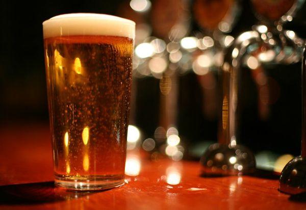 Τέλειο! Mισό λίτρο μπίρα την ημέρα την καρδιακή προσβολή κάνει πέρα