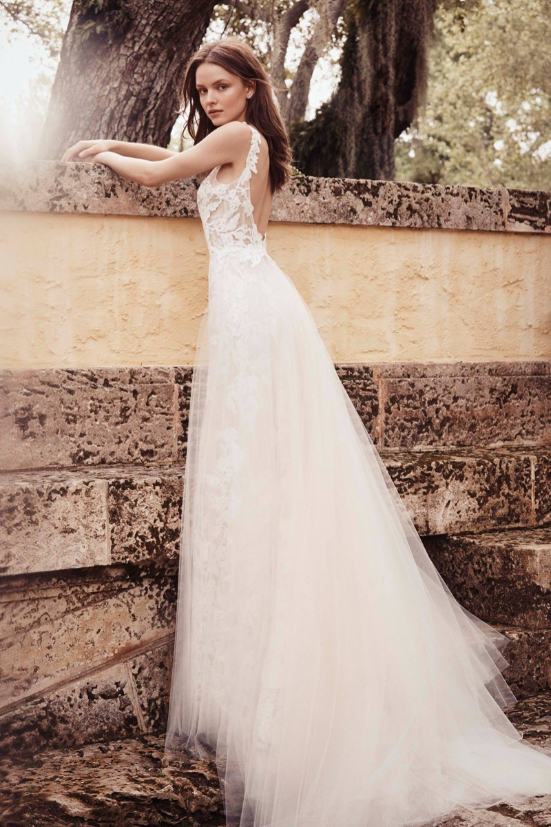 acc86193b4084 Monique Lhuillier Bridal Spring/Summer 2020 Lookbook