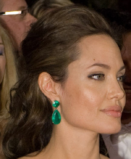 Angelina Jolie Emerald Earrings Movies With Pregnant Hollywood Actress Pictures Beautiful
