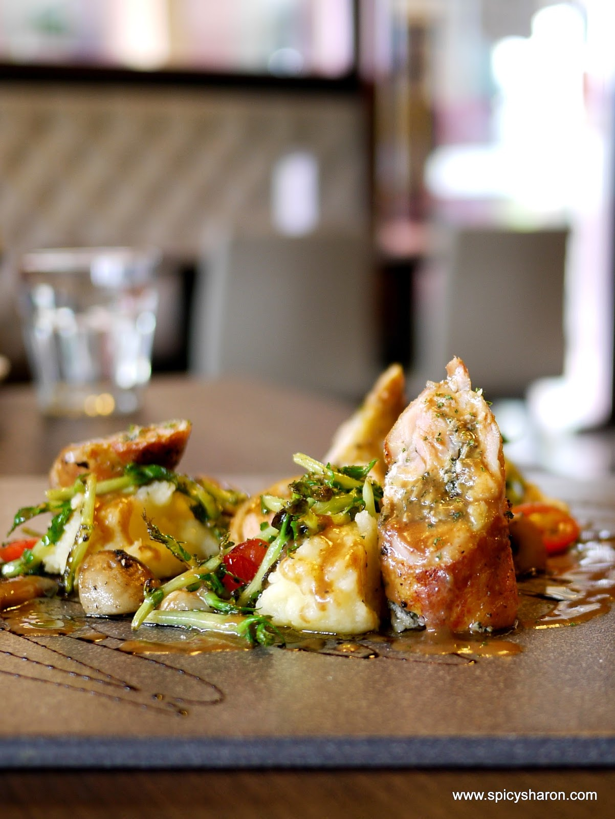 Pizzolo Italian Restaurant @ Atria PJ – Mushroom Truffle And Cheese Pizza. | Best Food Network