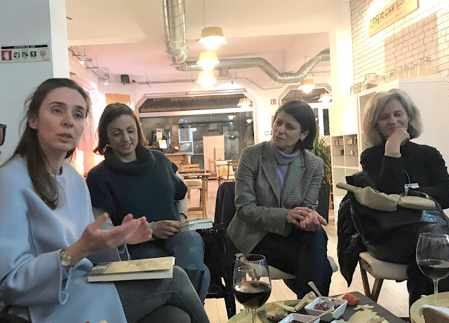 1.º encontro Livros à Sexta de 2019 discussão de ideias armazem de ideias ilimitada