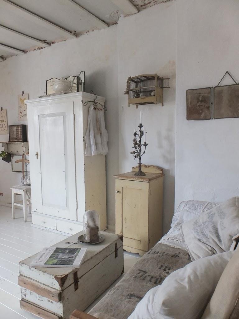 princessgreeneye das schlafzimmer im tr ben licht. Black Bedroom Furniture Sets. Home Design Ideas