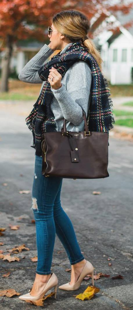 fall casual style perfection / heels + bag + ripped jeans + sweater + plaid scarf
