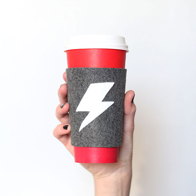 Reusable coffee cup sleeve (+ template!)