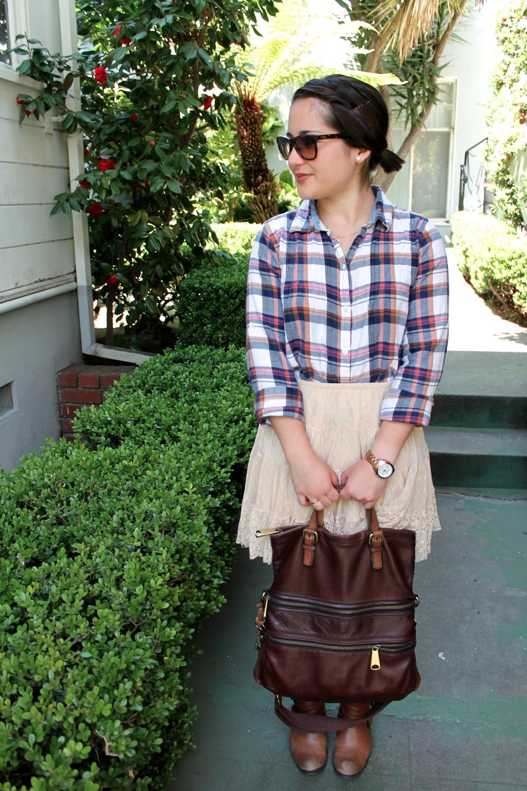 plaid-and-lace-spring-outfit-ideas