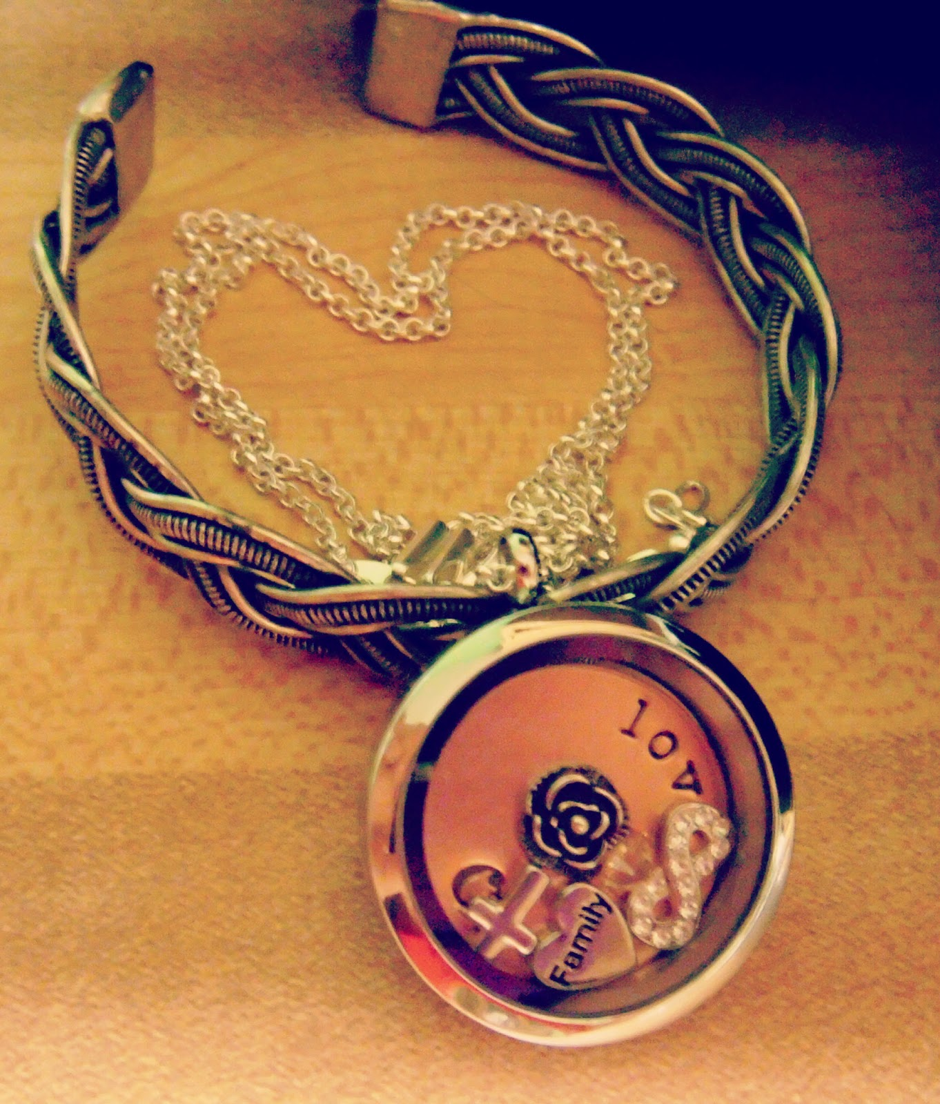 Origami Owl Necklace and Coral Goodness - photo#27