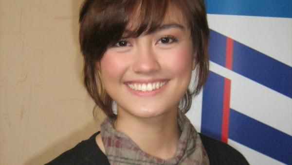Puting Agnes Mo Tersembul Keluar Dalam MV Coke Bottle ...