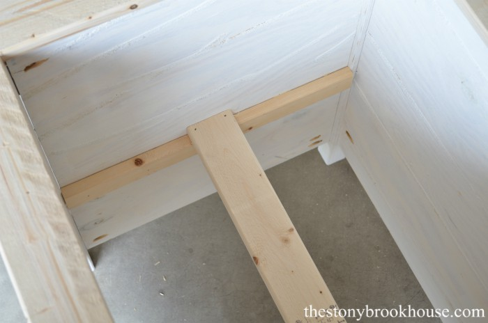 How To Build Beautiful Wood Planters (On The Cheap!) - The