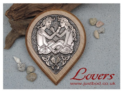 Celtic Lovers wall plaque in bronze and oak from Justbod