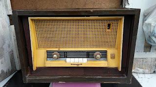 LAPAK BARANG ANTIK : Dijual Radio Antik Jaman Londo - SURABAYA
