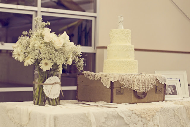 handmade vintage DIY wedding with lots of details on oh lovely day | The Other Sister Photography