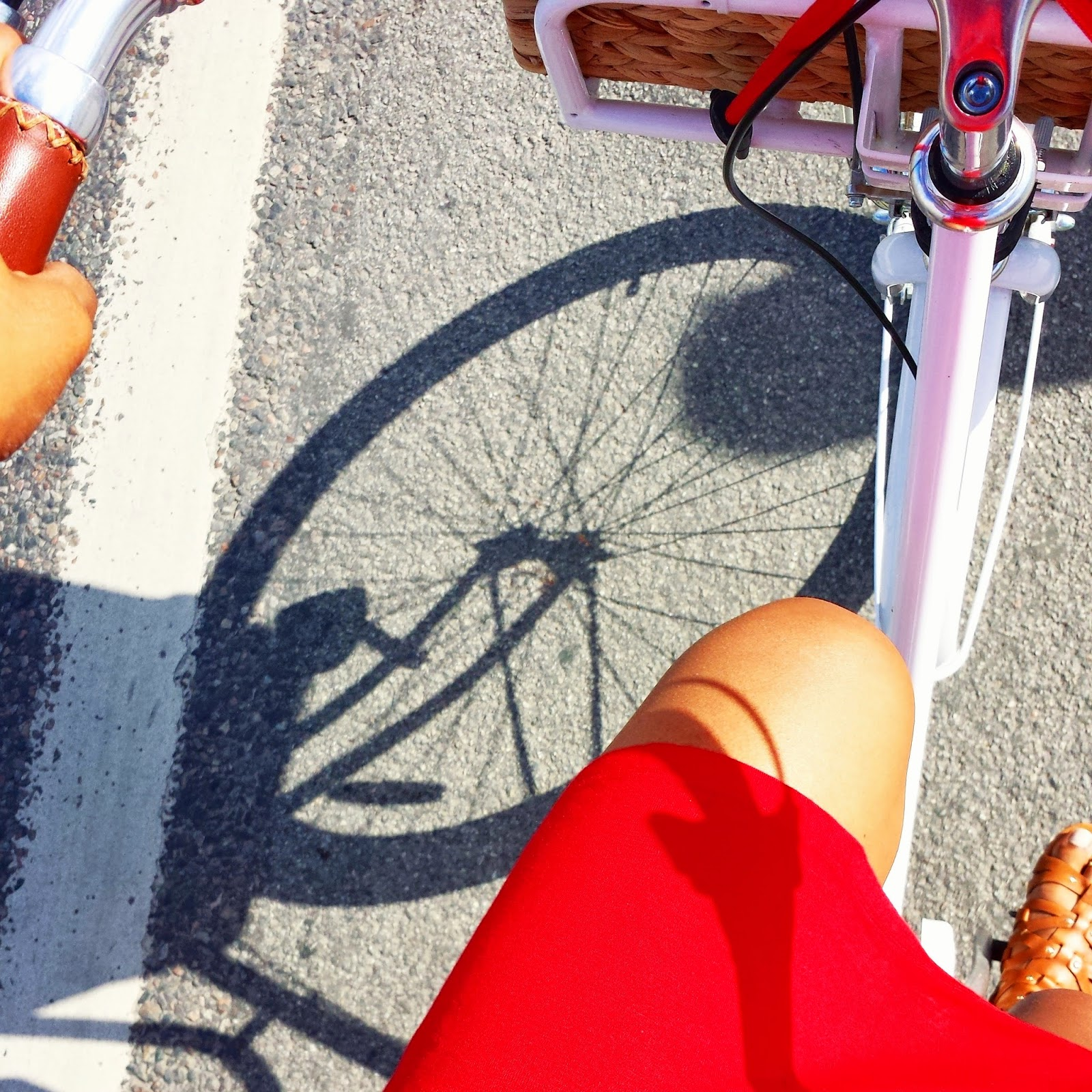 Riding my Stålhästen in red  |  Our first July 4th abroad on afeathery*nest  |  http://afeatherynest.blogspot.com