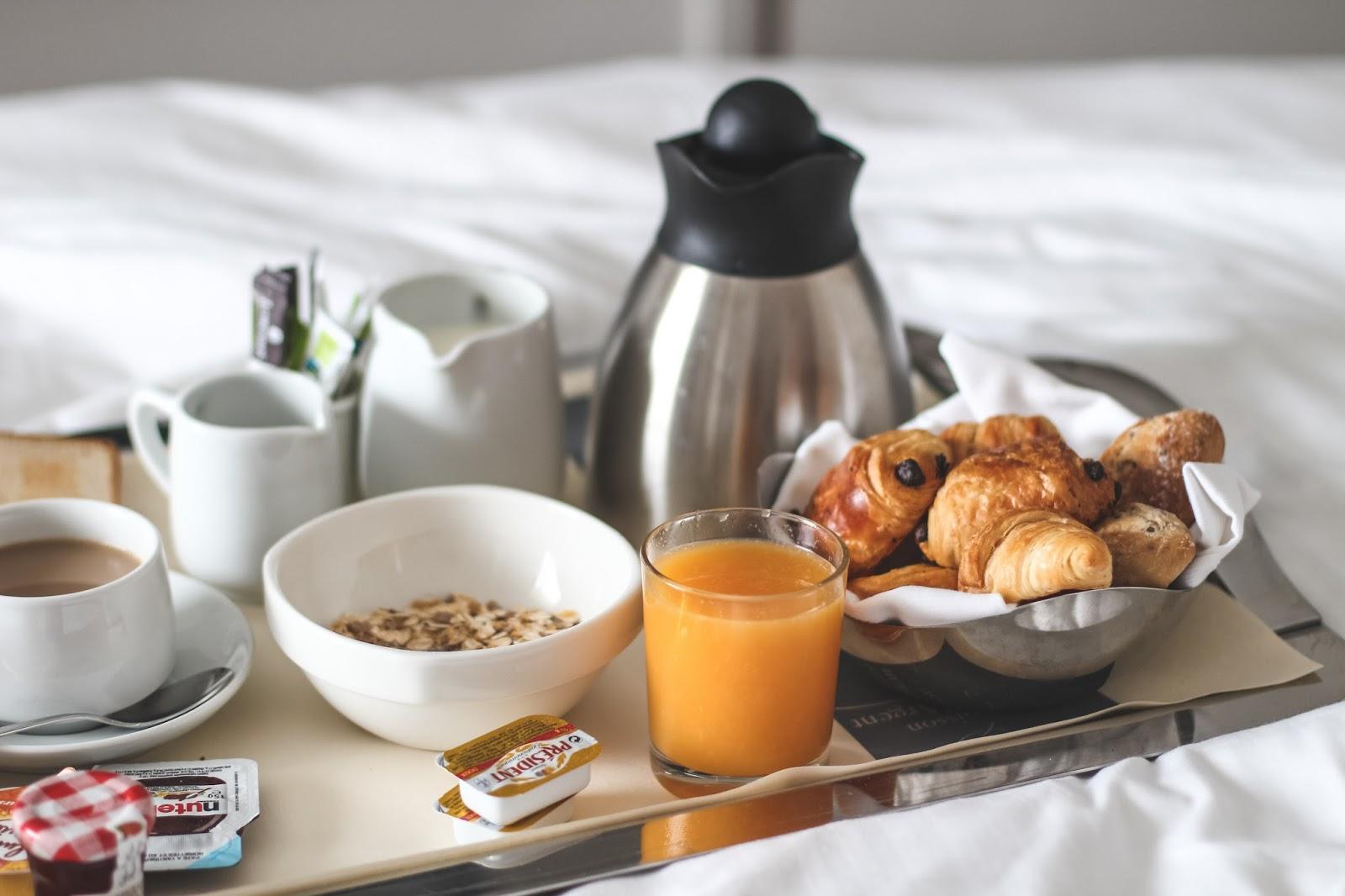 petit déjeuner hôtel