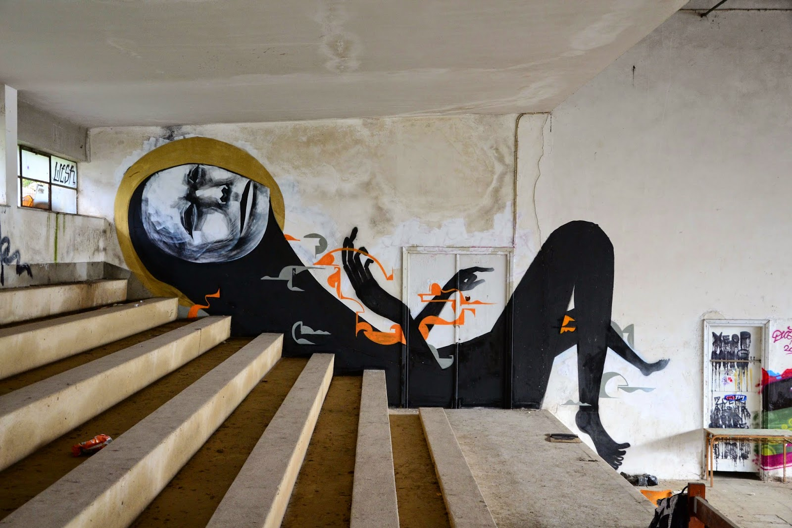 WESR is currently traveling around Greece where he managed to paint his way through several locations around the country.