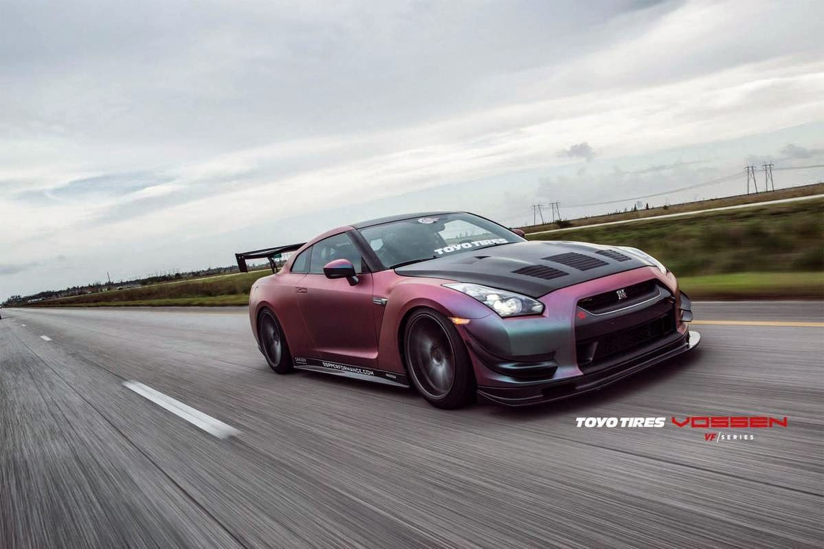 620hp nissan r35 gt r godzilla by vossen wheels supercars show. Black Bedroom Furniture Sets. Home Design Ideas