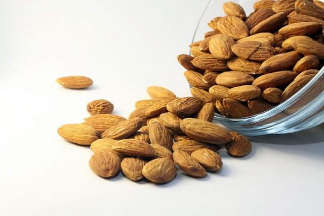 Tak Banyak Diketahui, 10 Manfaat Kacang Almond Selain Dibuat Camilan