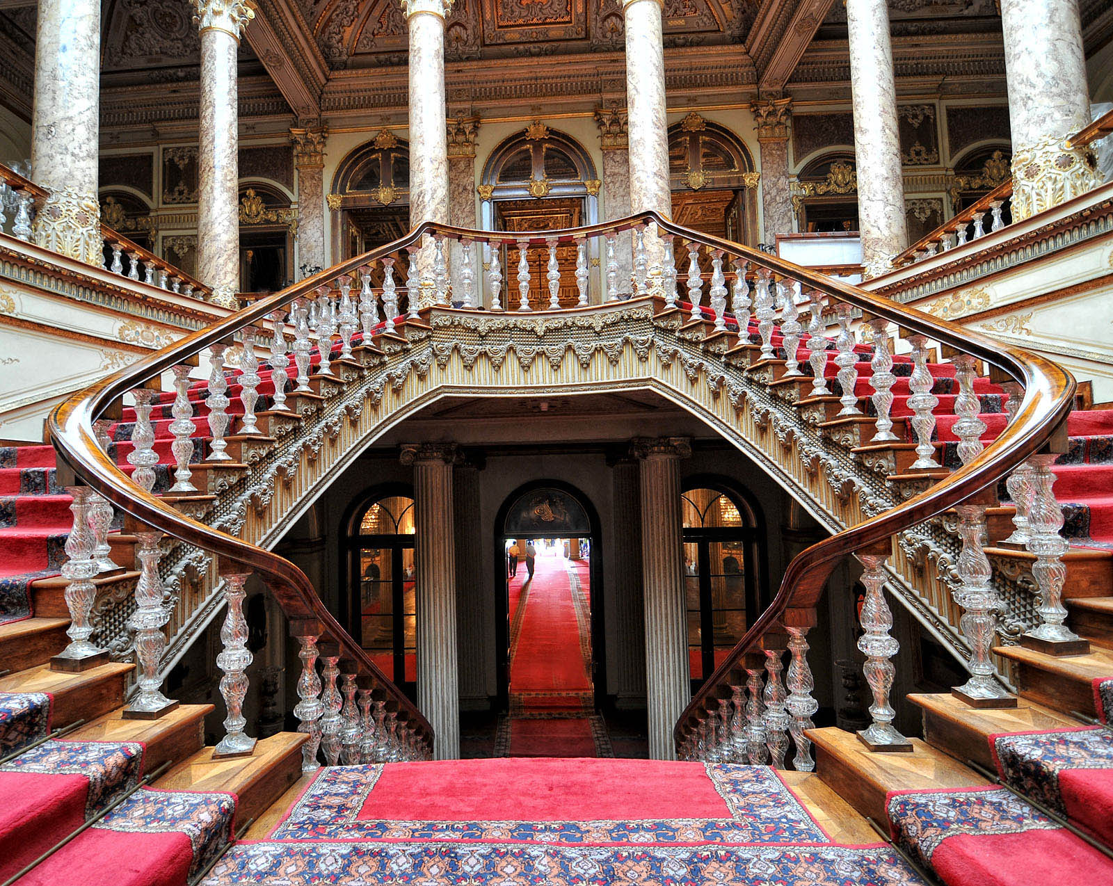 Dolmabahce Palace Photos   World Palace Photos