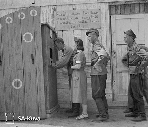 Sirkusteltta: Sota-ajan kuvia