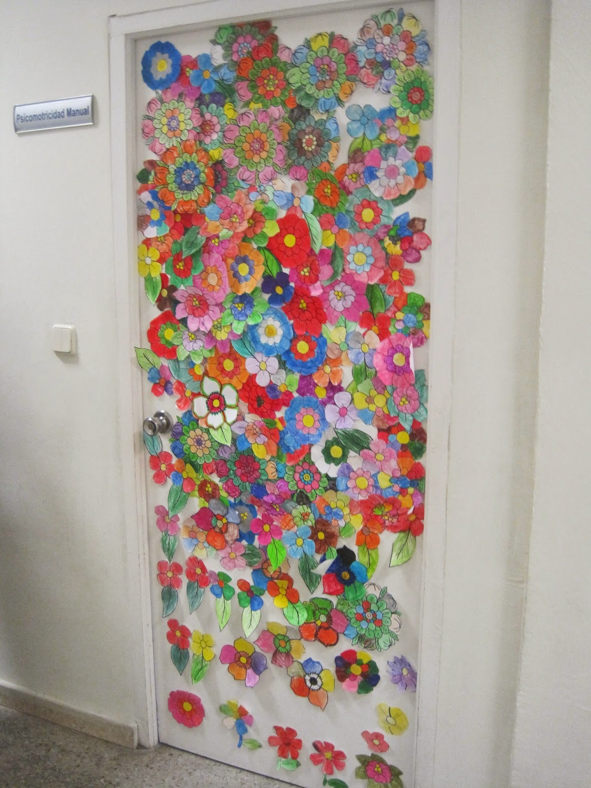 Imagenes de puertas decoradas preescolar puertas primavera for Puertas decoradas educacion infantil