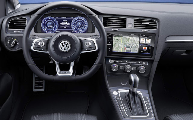 VW Golf 2018 GTE - interior