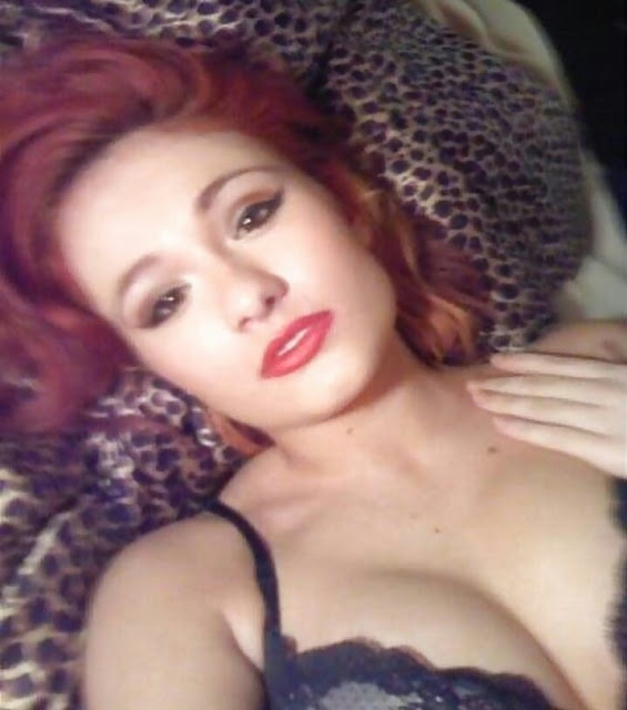 Scarlett Bordeaux bikini