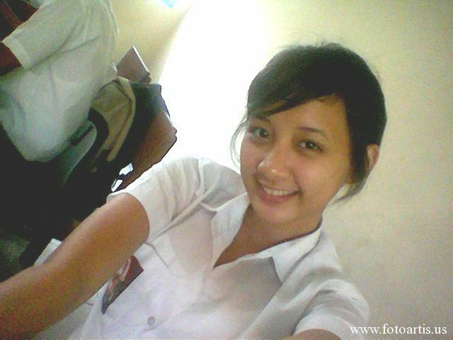 Foto Anak SMA Cantik [No-Nude]