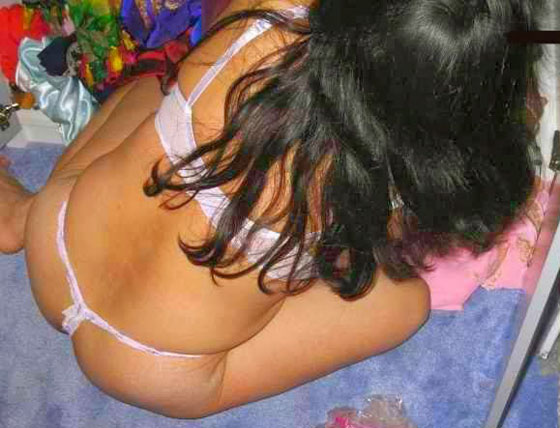 Desi Bikini Girl Spicy Body Showing Photos