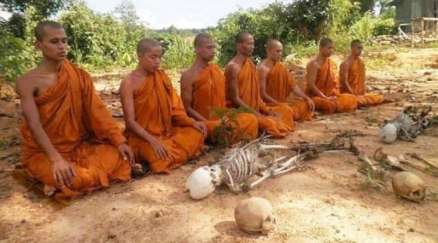 Meditation on the Morbid in Thailand Offers Insights into Impermanence
