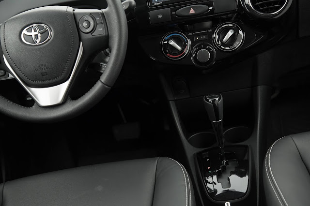 Toyota Etios Sedã 1.5 Automático 2017 - interior
