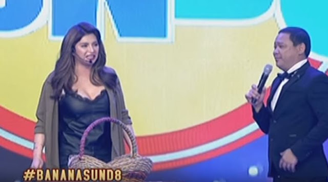 Angel Locsin Did This To Kuya Jobert While They Were On Stage At Banana Sund8! WATCH WHAT HAPPENED HERE!