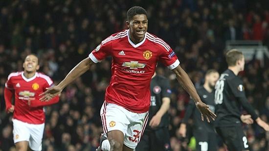 Sau mùa giải đầu tiên được đôn lên khoác áo đội một MU, Rashford gây ấn tượng khi ghi 8 bàn trong 18 lần ra sân.
