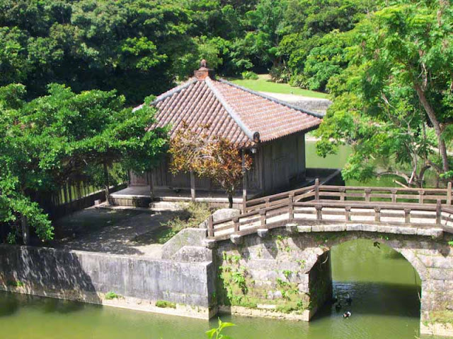 Close-up of bridge and building, Ryutan Pond, Shuri, Naha, Okinawa